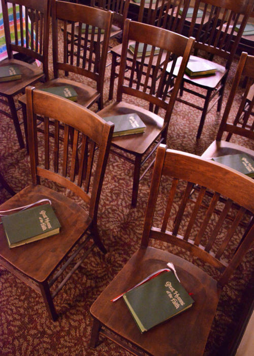 chairs-with-bibles-857-1200